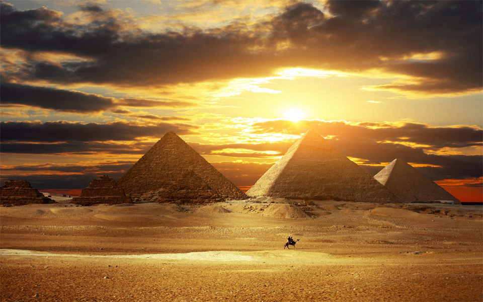 amazing-pyramids-at-sunset