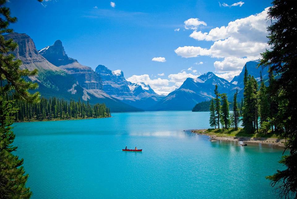 maligne-lake-spirit-island-canada