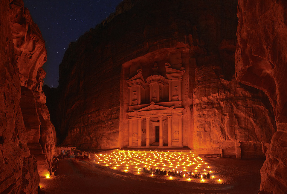 night-at-treasury-petra-jordan